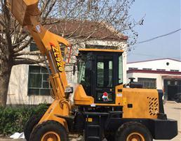 工程上都在用小型装载机多功能轮式小铲车的诸多优势